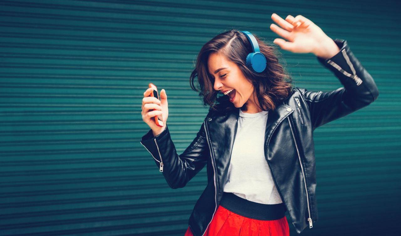 Salud auditiva: ¿A qué volumen es recomendable escuchar música?